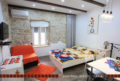 Tanaja studio apartman 2+1